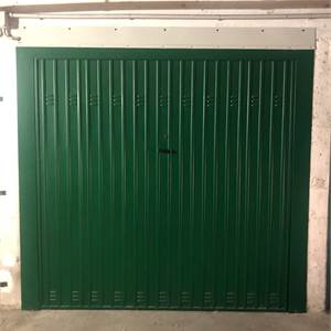 Garage In Affitto a Modena